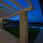 Abendstimmung - Blick Richtung Garten und Außenküche